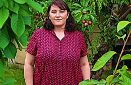 Près de Bordeaux, Stéphanie Dartigue, de l'association antigaspi Le Bocal local, récupère vos restes et les redistribue aux sans-abri et aux familles précaires.