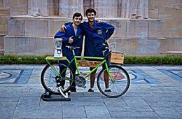 Ils sont suisses, se sont rencontrés à l'école et ont fondé RecycleMJB : une association qui donne une deuxième chance à tous les objets abandonnés dans la rue.