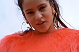 rosalia est une chanteuse de flamenco