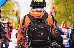 journaliste gilet jaune