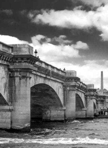 Lucien Chardon sur le quai de Seine
