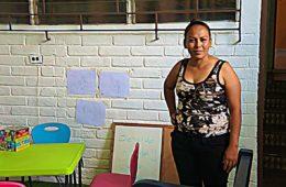 Alba dans sa Casa de Encuentro