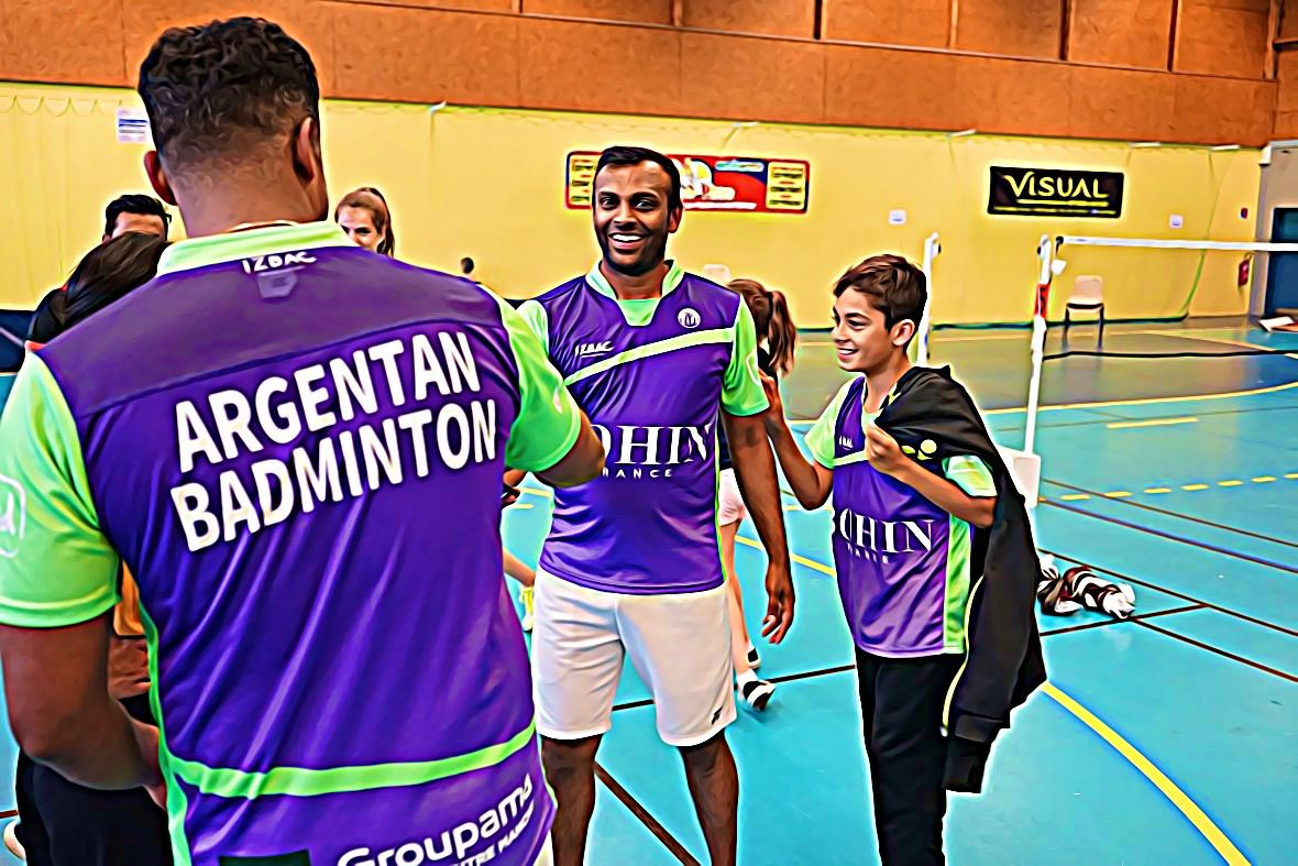 Le badminton pour oublier la guerre